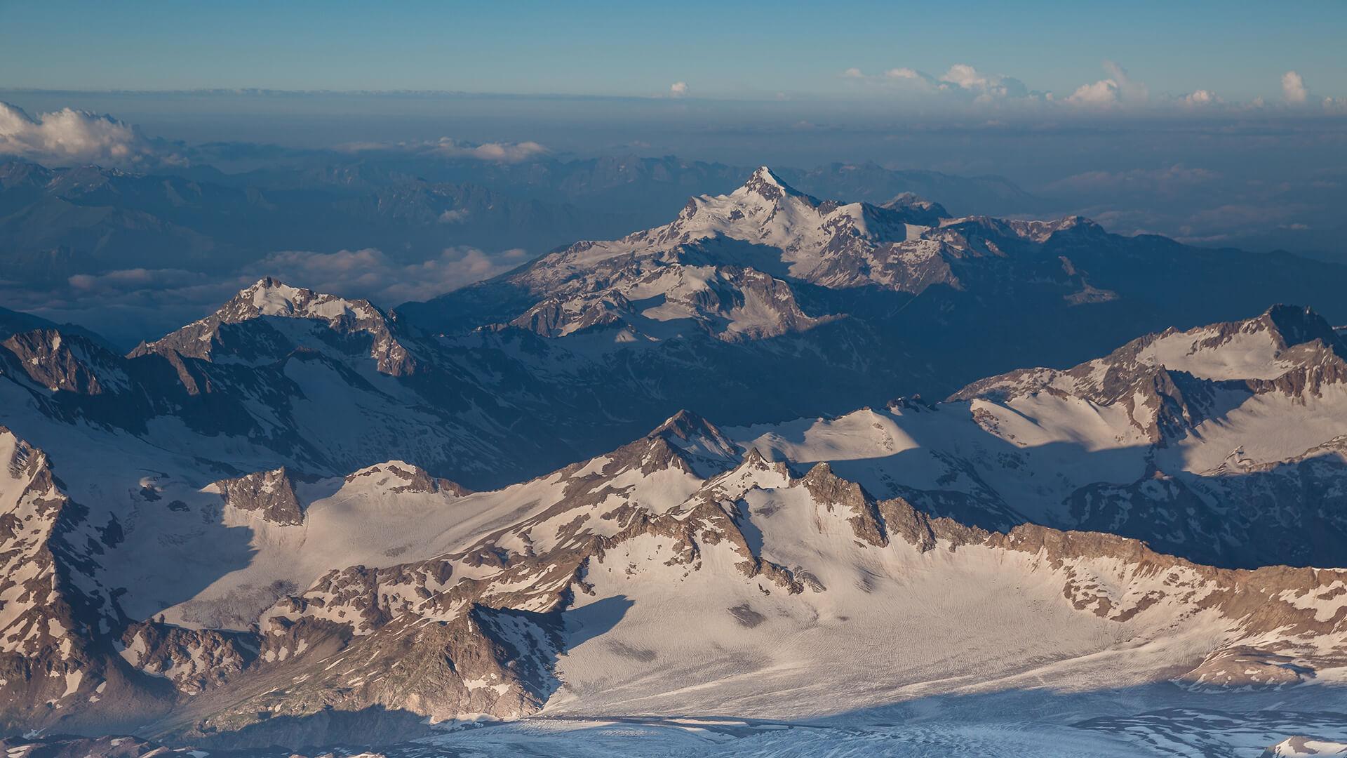 Восхождение на Эльбрус с юга в июне