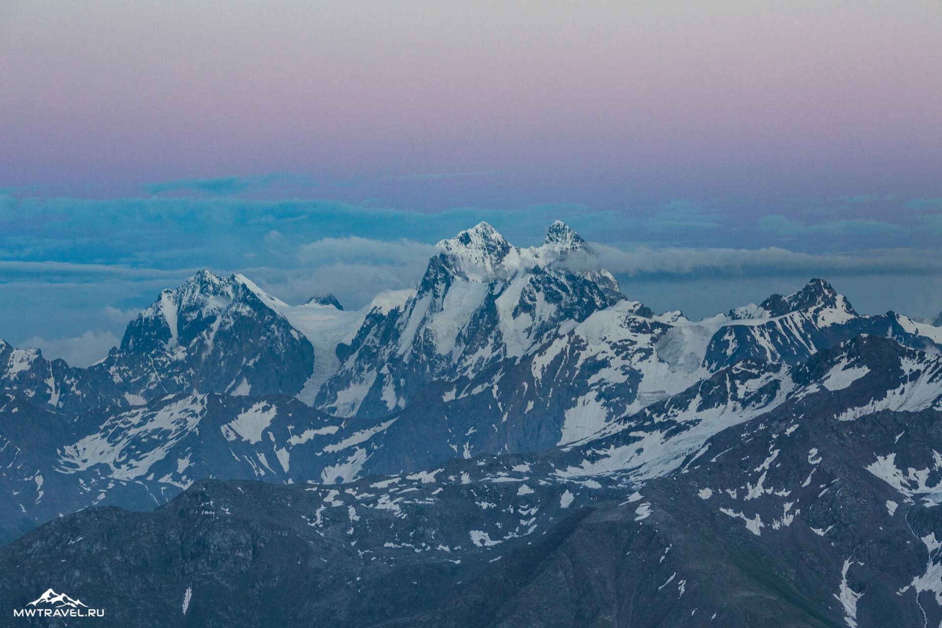 5 гора ушба вид с эльбруса
