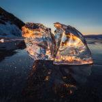 лед байкала на закате