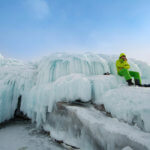 ледовые наплески на байкале в марте