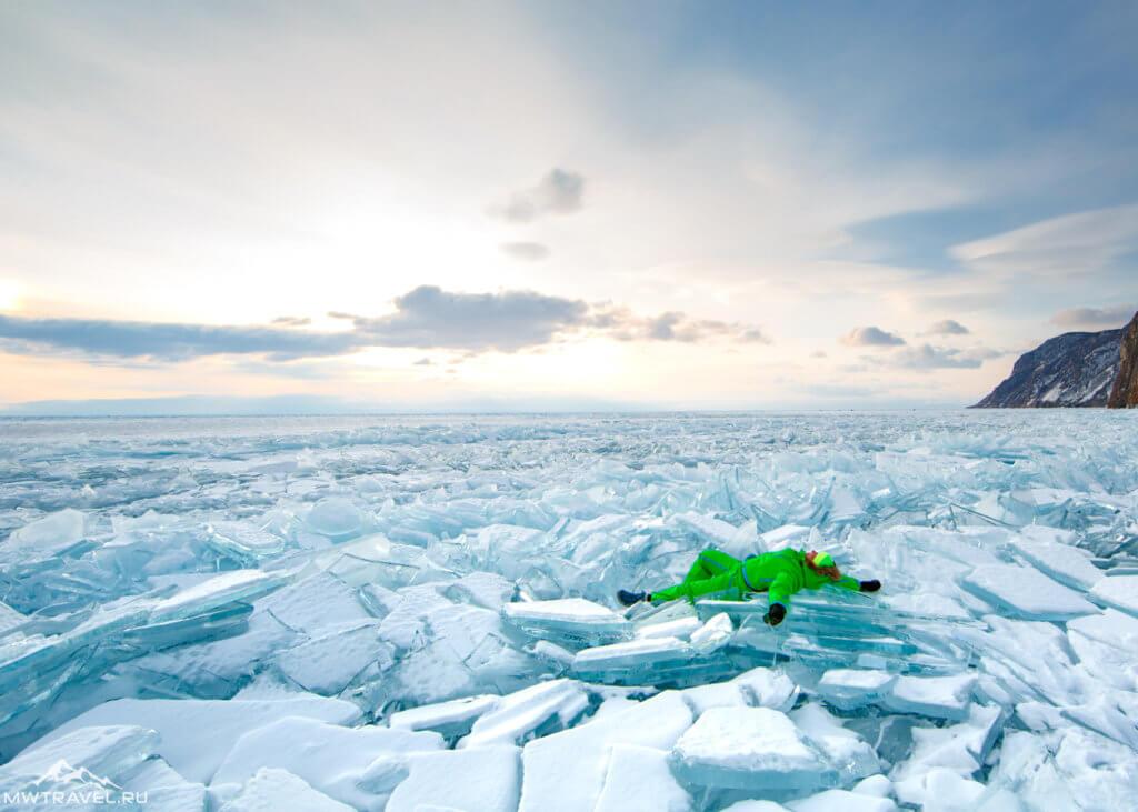 ледовые торосы на байкале