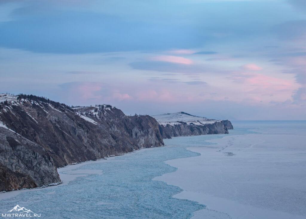 панорама зимнего байкала на ольхоне на закате