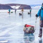 поход по льда байкала на коньках