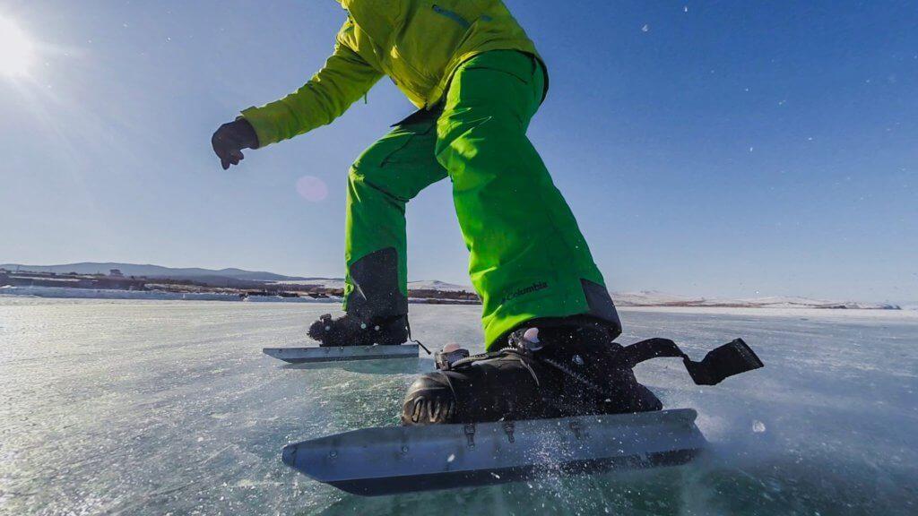 поход по льду байкала на коньках