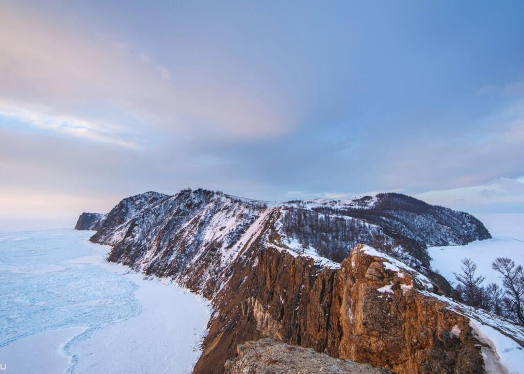 вид на остров ольхон с высоты зимой