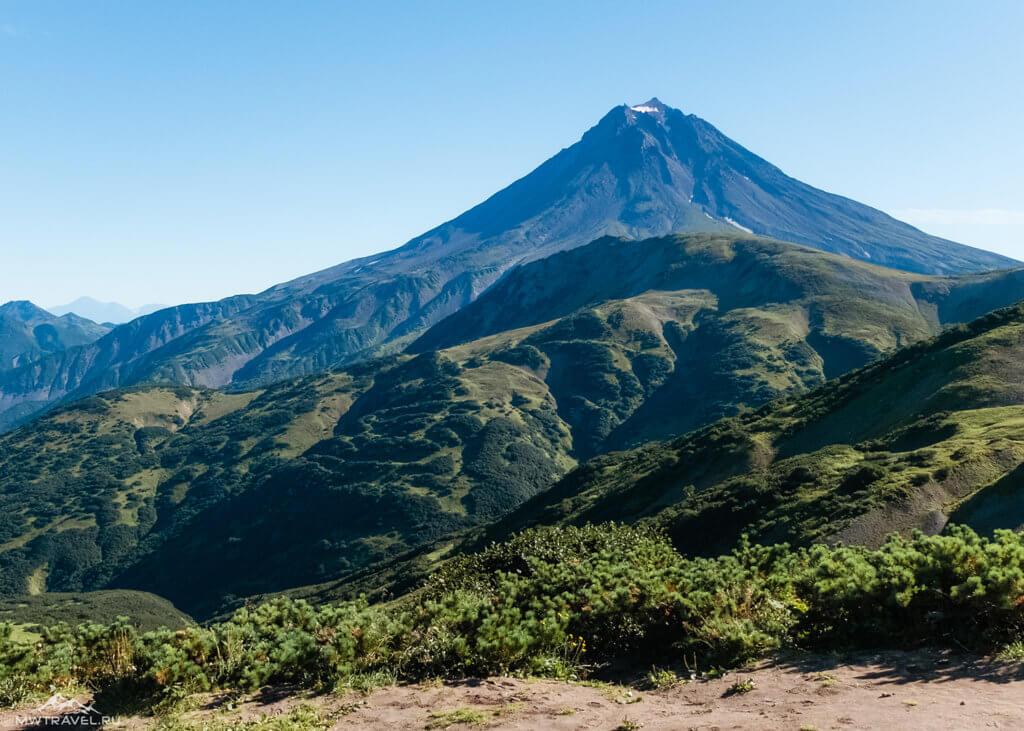 Поход по Камчатке: вид на вилючинский вулкан
