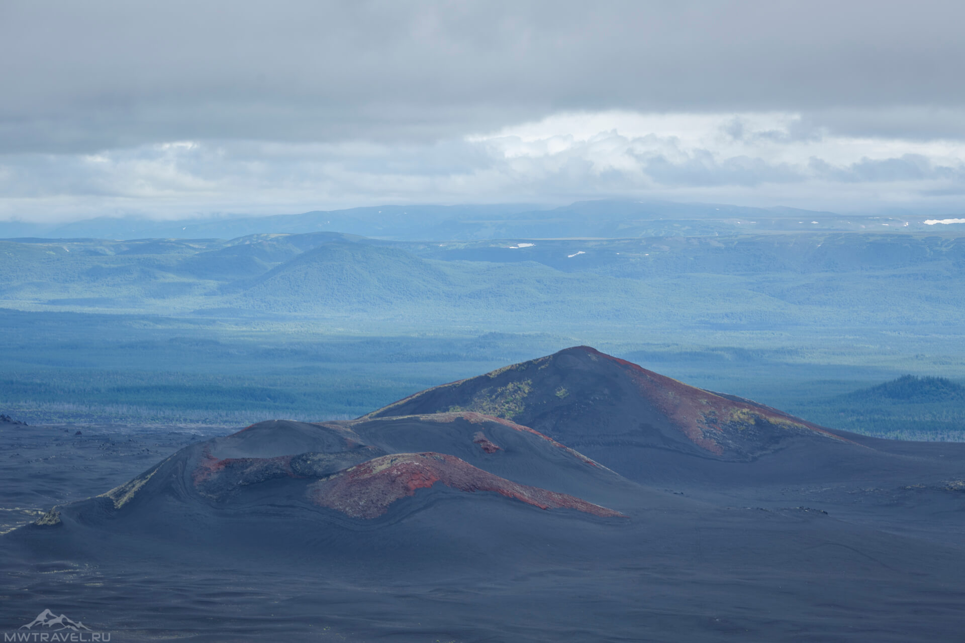 вид на вулканические конуса