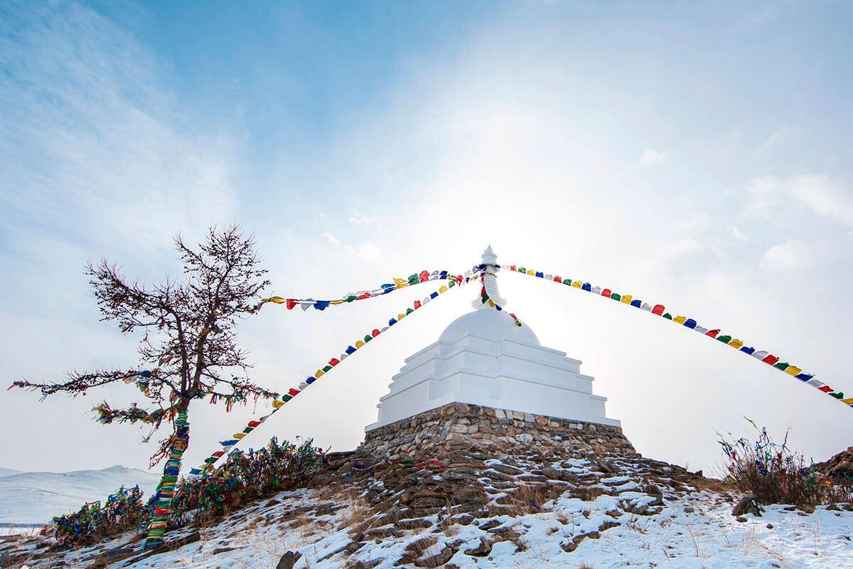 Тур на Байкал зимой