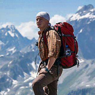Дмитрий Чесноков горный гид, альпинист, горный турист, туристический инструктор
