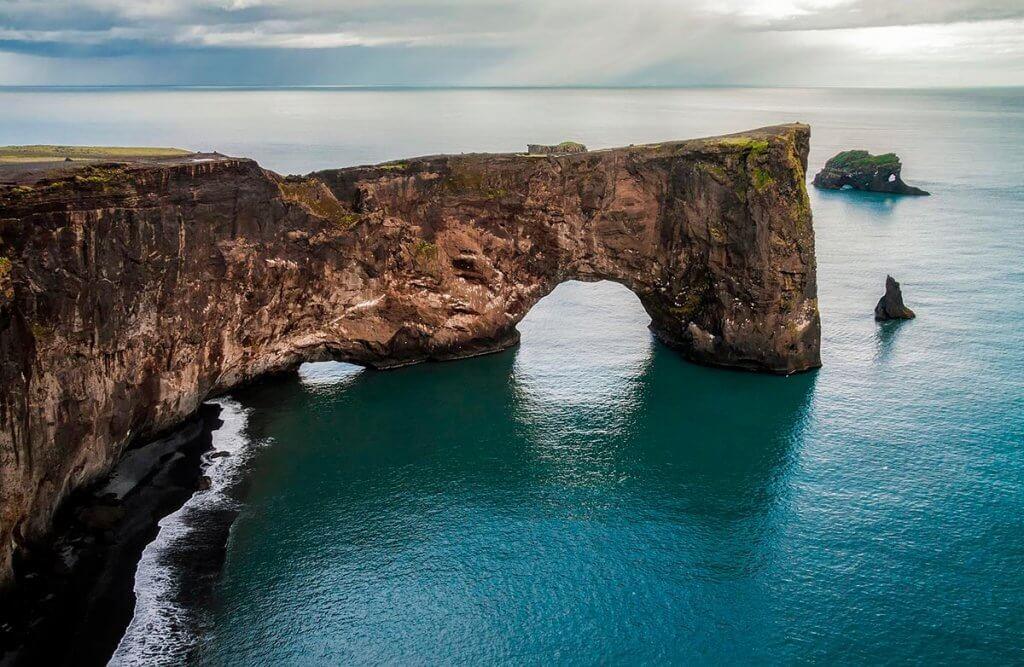 Путешествие по Исландии: мыс Дирхолеей