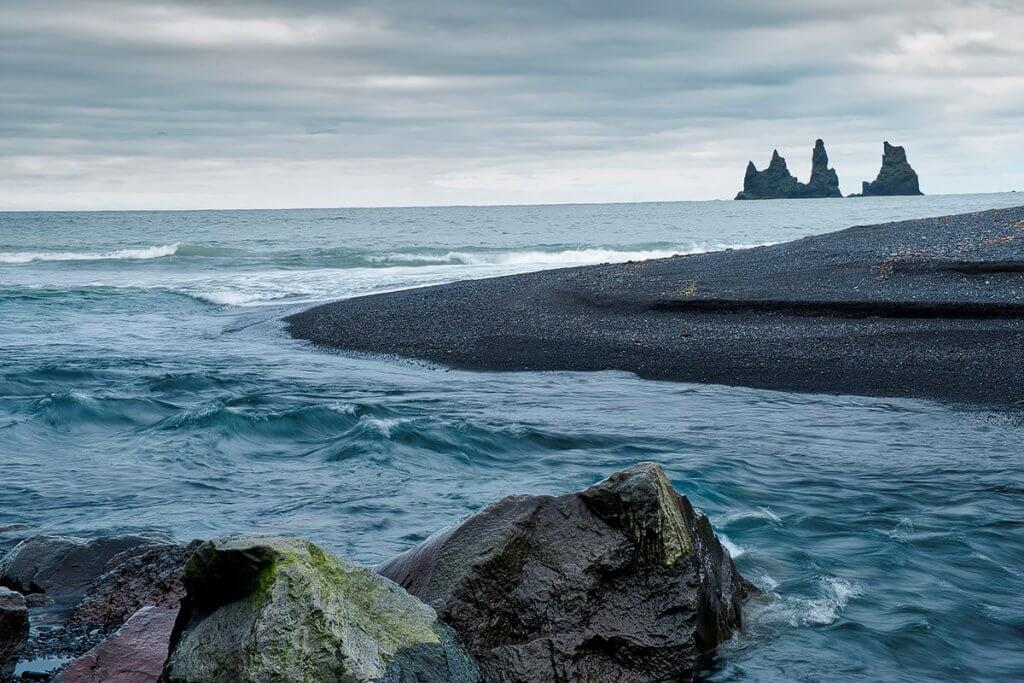 Путешествие по Исландии: пляж в Вике
