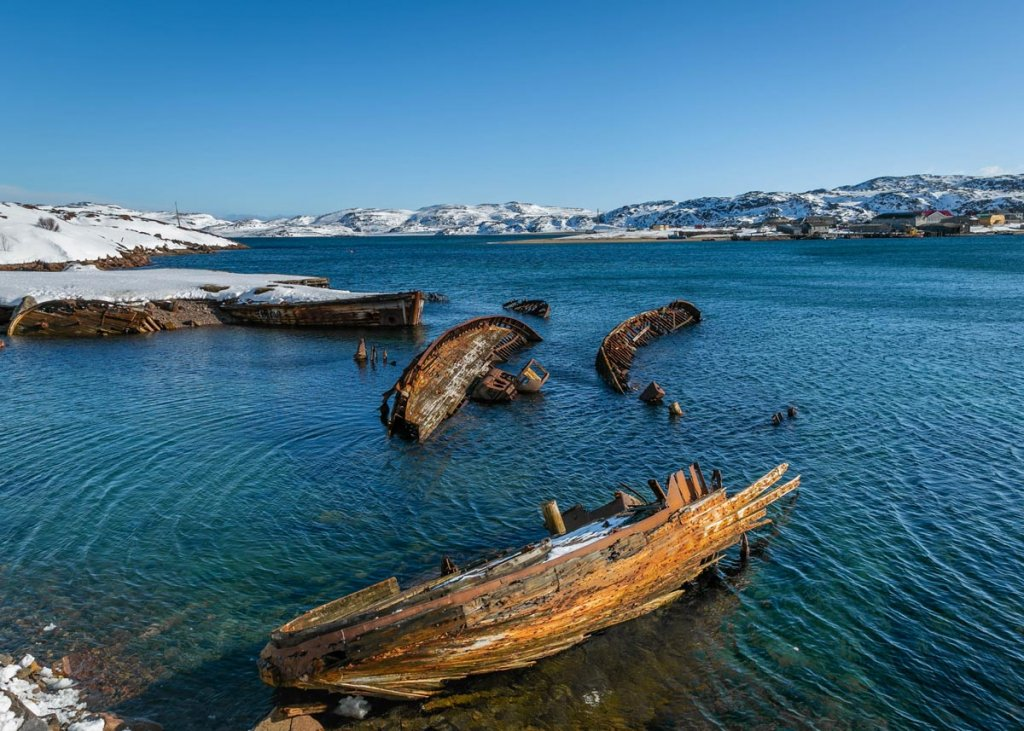 Кладбище кораблей в Териберке